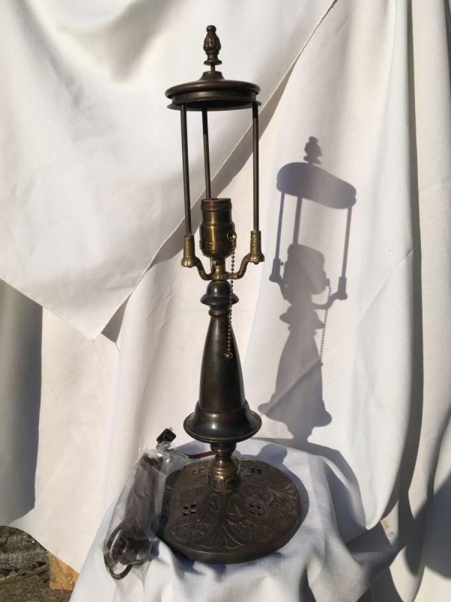 B108 Brass trumpet style lamp base