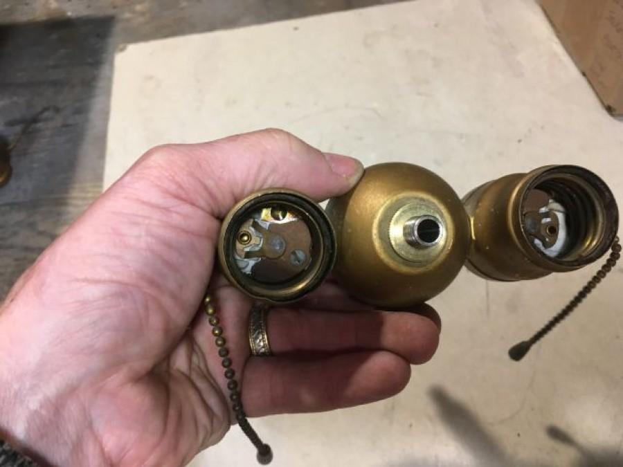 sku241 Benjamin double pull chain socket cluster